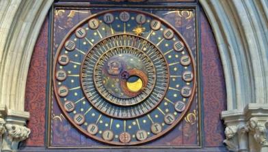 wells-clock-wide